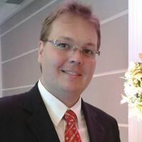 Henrique | Advogado | Revisão de Contratos em Blumenau (SC)