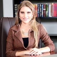 Fabiana | Advogado | Negociação Contratual