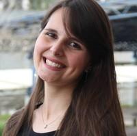 Juliane | Advogado | Greve em Colombo (PR)