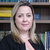 Dra Cristiane Araújo