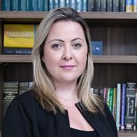 Dra. Cristiane Carvalho Araújo