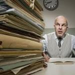 O depósito do FGTS é obrigatório quando o empregado está afastado por motivo de acidente do trabalho ou doença profissional