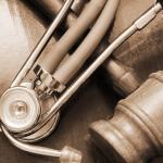 4 atitudes simples para proteger-se de ações judiciais médicas