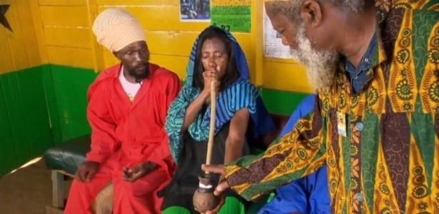 Glria Maria praticou o crime do artigo 28 da Lei de Drogas ao consumir maconha na Jamaica