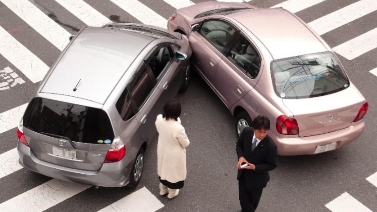 Saiba como agir em caso de acidente de trnsito