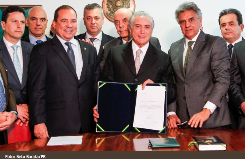 Novo governo com a velha poltica das cleptocracias brasileiras Dilma pode ocupar cargos pblicos decidiu o Senado