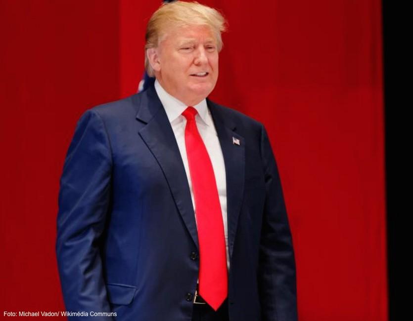 Donald Trump e o pio dos populismos radicais O truque da eletrizao do povo indignado No Brasil igual
