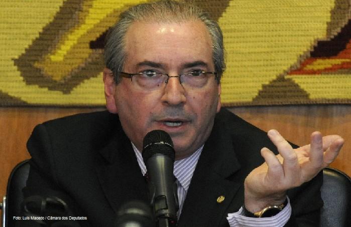 Conta secreta no estrangeiro faz primeiro-ministro islands renunciar Quando Cunha e o Brasil vo tomar vergonha na cara