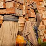 """Da série """"Retratos de um Direito"""": Escravidão moderna na lente de Lisa Kristine"""