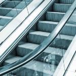 Shopping terá que indenizar consumidora por queda em escada rolante