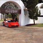 PF apreende coleção de carros de luxo de Collor na Casa da Dinda