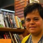 Primeira professora com Down ganha prêmio nacional de educação