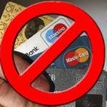 Banco é condenado por cancelar cartão de crédito