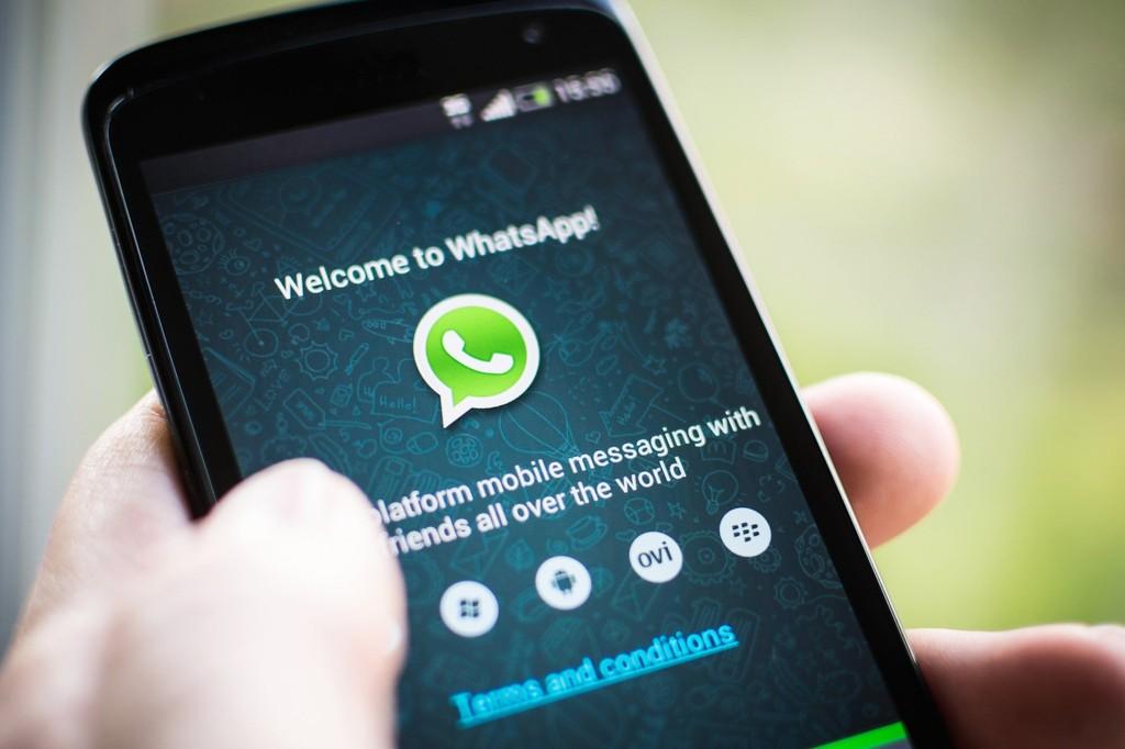 Juiz fotografa despachos e envia por WhatsApp para notificar partes