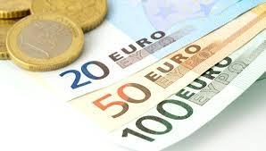 Euro completa 15 anos em circulao em meio a contestaes