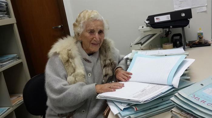 Senhora de 97 anos se forma em Direito