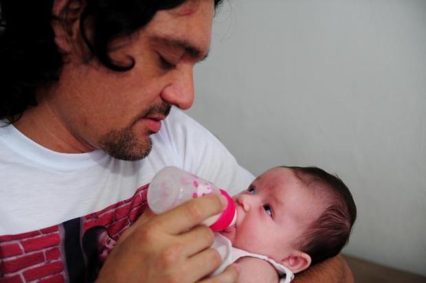 Pai ganha direito a salrio-maternidade em Joinville