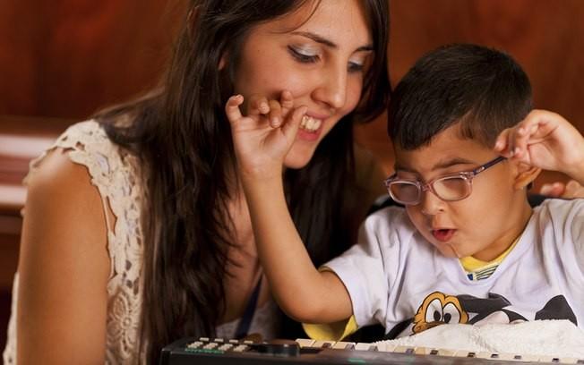 Lei 133702016 - Servidor pblico com cnjuge filho ou dependente com deficincia possui direito a horrio especial