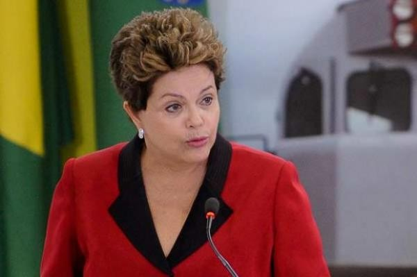 Grupo vai pedir impeachment de Dilma por pedaladas mentais