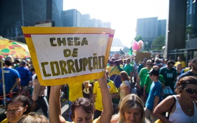 Brasileiro contra corrupo mas maioria admite obter vantagens de modo ilegal