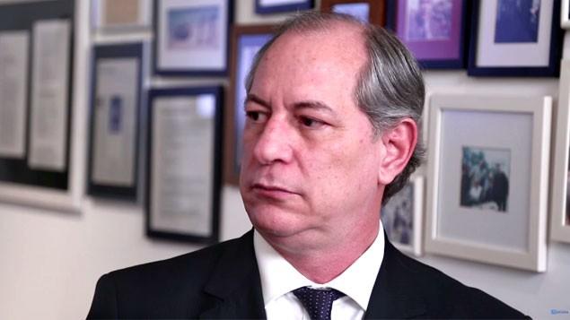 Ciro Gomes acusa Temer de ser o capito do golpe contra Dilma