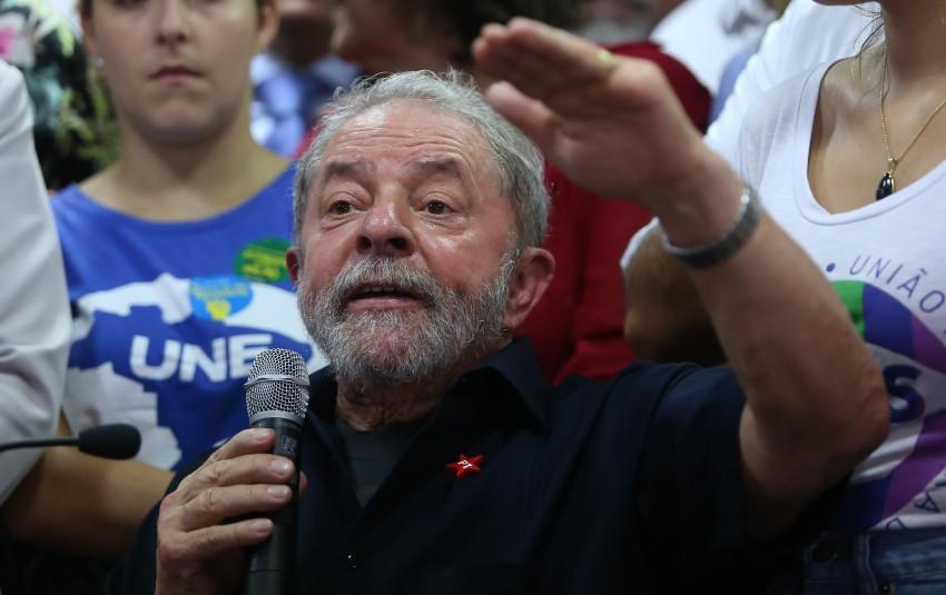 Lula aceita convite de Dilma e assumir Casa Civil