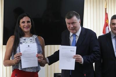 OABSP entrega primeira certido com nome social a advogada travesti
